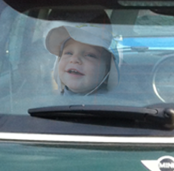 how long to leave a baby alone in a car